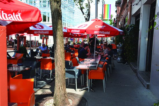Montreal, Canadá: Warm and  cozy terrace!