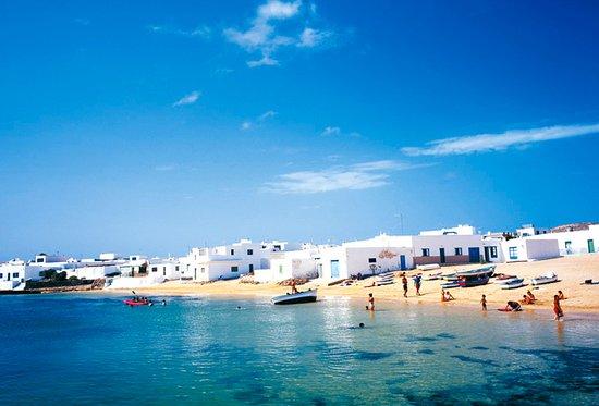 Islas Graciosa : nada mas desembarcar mirad que vista placentera de isla
