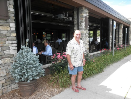 Kona Grill - Troy: front of the place....