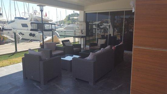 Orient VIP Turkish Bath & Spa: Schöner Ausblick im Wartebereich auf den Yachthafen