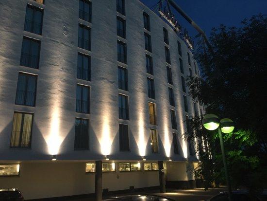Leverkusen, Jerman: View of Hotel from outside