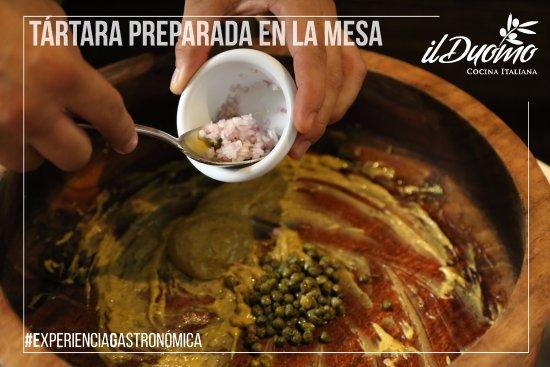 Guadalajara Metropolitan Area, Mexico: Tártara de atún o de res preparada en la mesa al momento