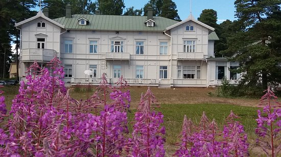 Hanko, Finland: An old hotel.