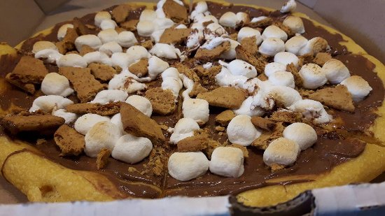Rockland, Canada: Smores Pizza, Nutella spread, Marshmallow, graham cookies.