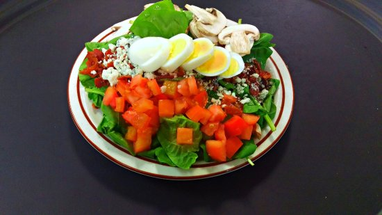 The Hideaway: Spinach Salad