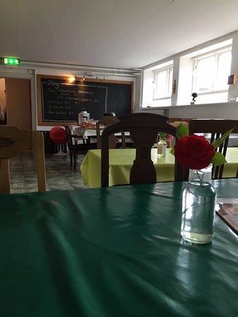 Kivik, Sweden: Serveringslokalen