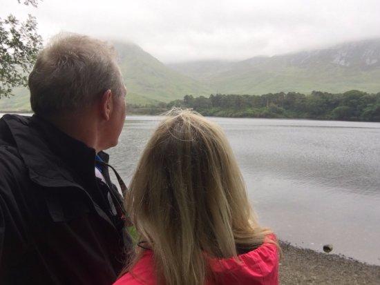 Кайлмор, Ирландия: Checking out the beauty!