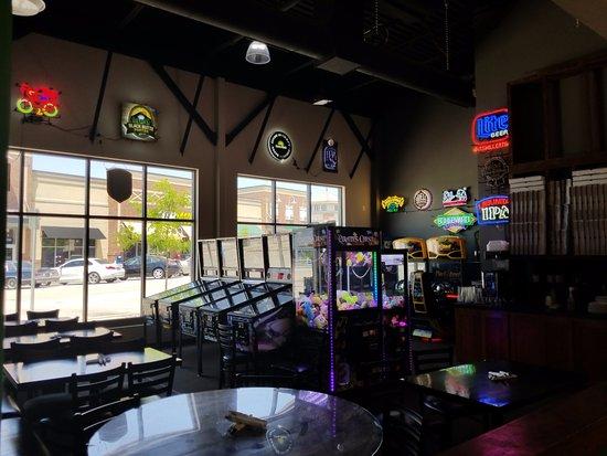 Lee's Summit, MO: Arcade room