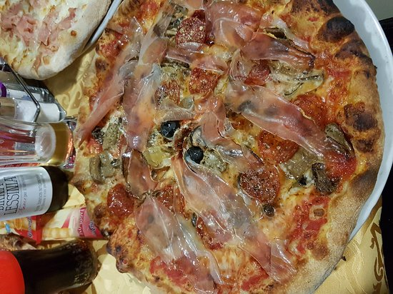 Сона, Италия: Pizzeria San Quirico - Caffe Pizza Cucina