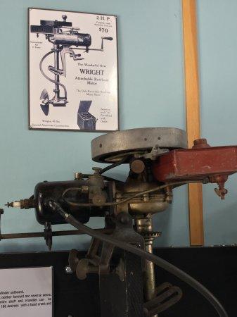 Cowichan Bay, Canada: Old boat motor.