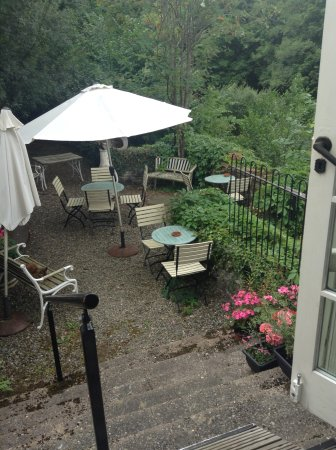 Llanfair Caereinion, UK: Tapas Al Fresco by the River Banwy