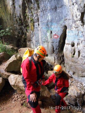 Arieseni, Romanya: Preparing for descent