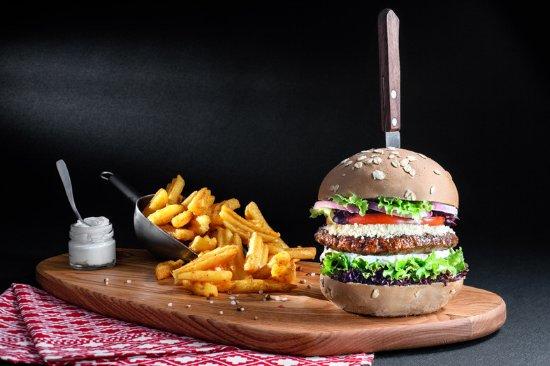 Stavroupoli, Greece: black burger