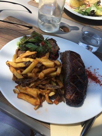 Villeneuve-les-Maguelone, Γαλλία: Des belles assiettes pour pas trop cher