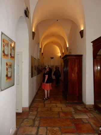 American Colony Hotel Arabesque Restaurant : Exhibition in hotel area