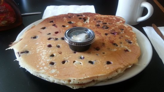 Willimantic, CT: Blueberry pancakes!
