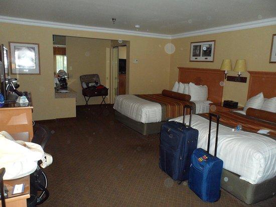 Best Western Premier Grand Canyon Squire Inn: Stanza grande