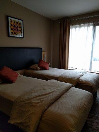 Academy Plaza Hotel: IMG_20170718_170327_large.jpg
