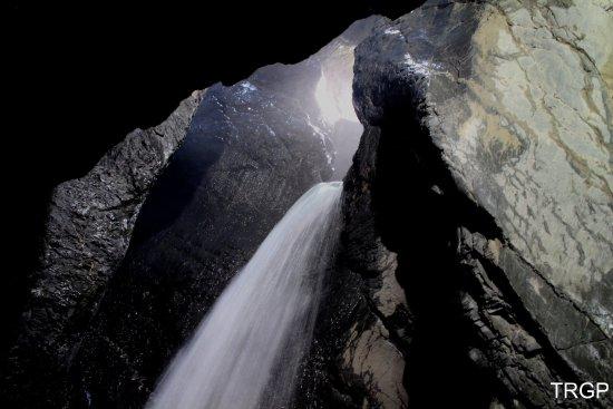 Lauterbrunnen Valley Waterfalls: trummelbachfalle2_large.jpg