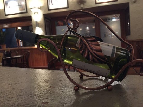 Southland Region, Nuova Zelanda: Nice wine cradle.