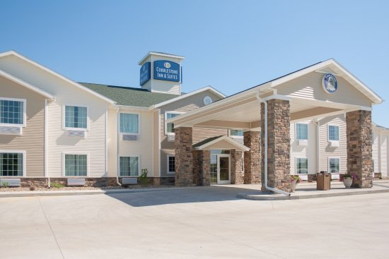 Cobblestone Hotel & Suites: Welcome to the Cobblestone Hotel and Suites of Paxton, Illinois