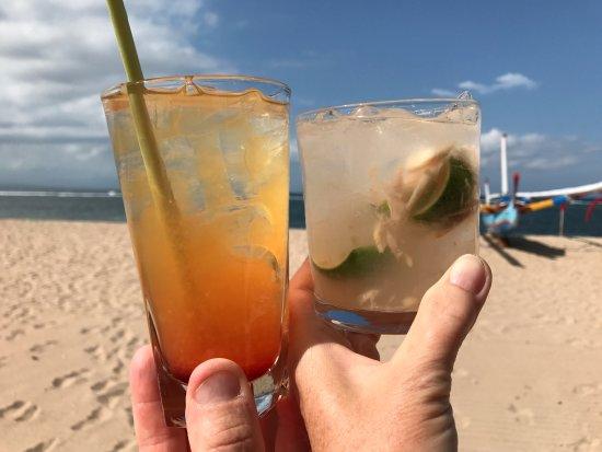 Tandjung Sari: Beach cocktails
