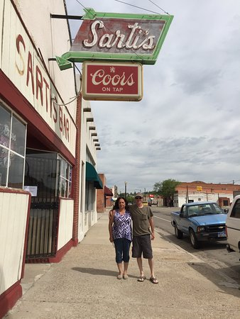 Walsenburg, CO: Sarti's Bar