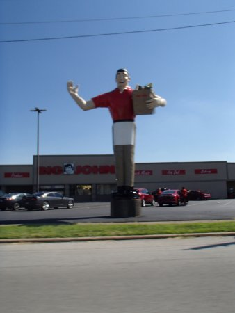 Metropolis, IL: Big John the Grocery Man (On the way in to town)