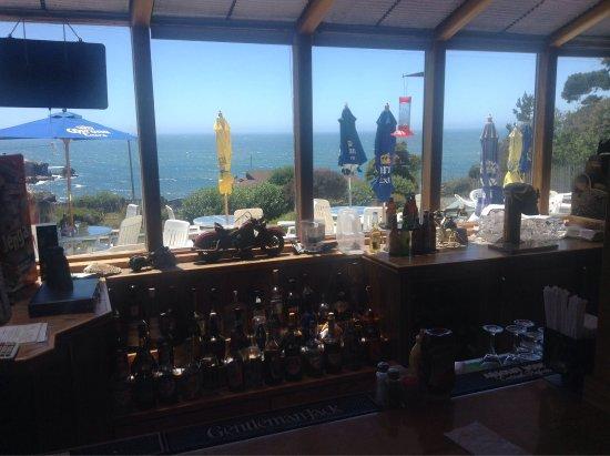 Ocean Cove Lodge Bar & Grill: photo0.jpg