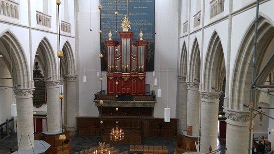 Brielle, Nederländerna: Catharijnekerk, interieur met orgel