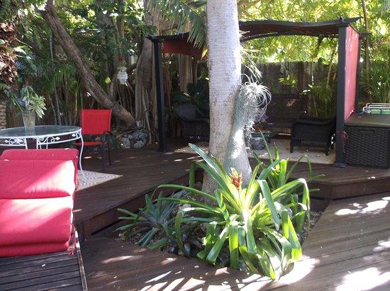 Atlantis House: lounge area