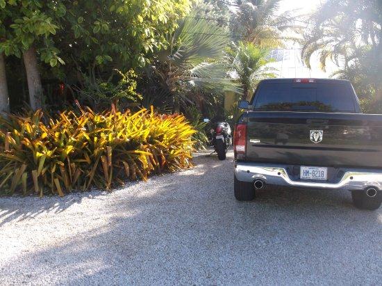 Atlantis House: parking