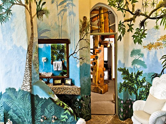 Santa Barbara, Kosta Rika: A view from the lower bathroom of the Rosa Blanca Master Suite