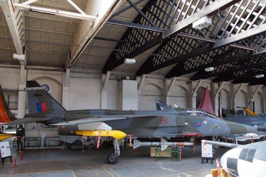 Salisbury, UK: Jaguar inside