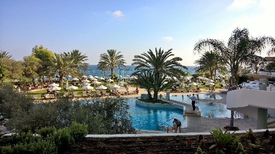 Constantinou Bros Athena Royal Beach Hotel: View from the bar