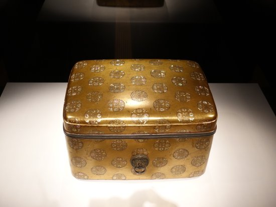 Suntory Museum of Art: Decorated boxes
