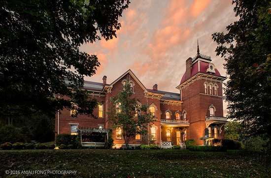 Vevay, IN: Schenck Mansion Bed & Breakfast in the fall at twilight