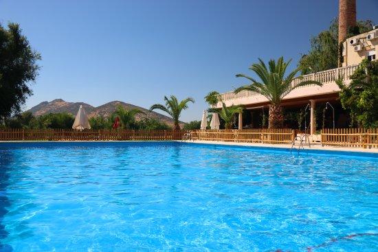 Hotel Las Navas: Piscina al aire libre (sólo temporada de verano 20 Junio - 31 Agosto)