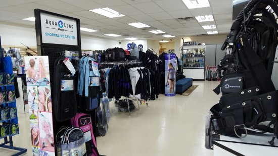 San Dimas, Kaliforniya: Inside the store