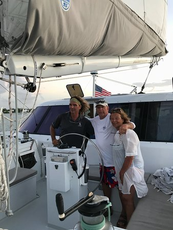 Marsh Harbour, Île de Great Abaco : Sailing the Abacos Islands with Capt. Bruce.
