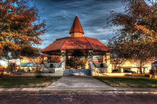 Cooper, TX: Town Square Gazebo