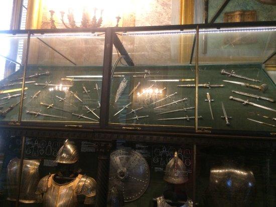 Armeria Reale: photo1.jpg