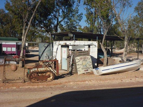 Walgett, Australia: Conveniences & Rail Carriage Accomm.