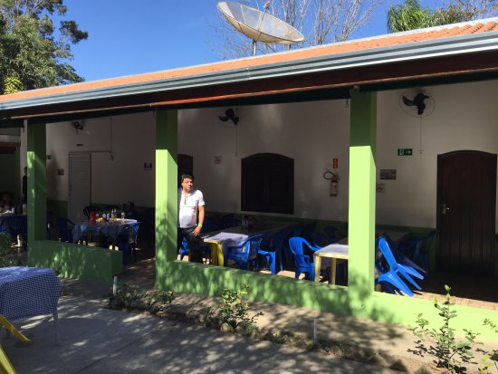 Porto Feliz, SP: Varanda com mesas
