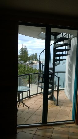 Caloundra, Australië: Be very careful which room you book here. Very small balcony.