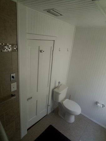 Busted Atv Resort Main Lodge