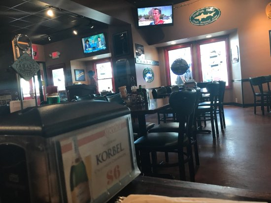 Grayslake, IL: Emil's Tavern on Center
