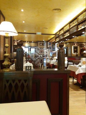 Restaurante la tagliatella plaza del castillo pamplona for Paginas amarillas pamplona
