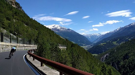 Stelvio Pass: Descendind the Stelvio towards Bormio