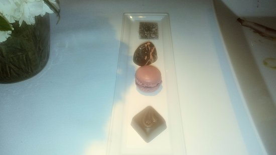 The River Cafe: Chocolate and macaroon
